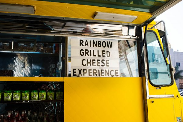 Yellow Food Truck Awning by Shari Sirotnak on Upsplash
